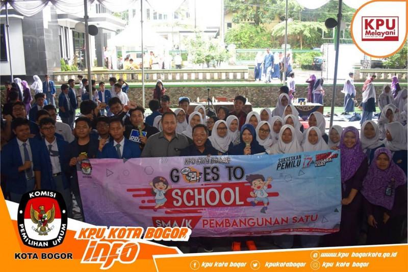 Siswa-Siswi SMA Pembangunan Satu Ikuti Kegiatan KPU Goes to School
